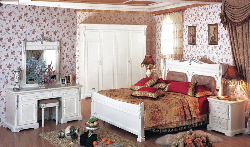 在装饰装修房屋,尤其是卧室的时候,好的装修风格是很重要的,现在年轻人中喜欢韩式风格的比较多,这也是一种比较简约时尚的风格,那我们如果要选择韩式风格进行装修的话,都有哪些装修的问题需要注意呢?小编今天来为大家简单的介绍一下这方面的情况,方便大家更好的进行装饰装修工作。