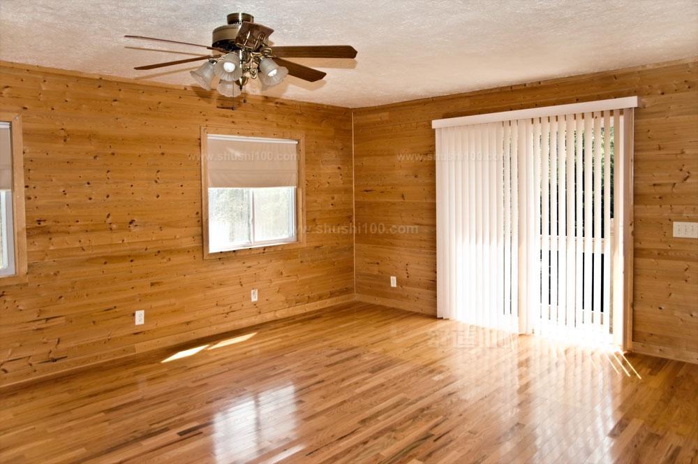 1、实木板 顾名思义,实木板就是采用完整的木材制成的木板材。这些板材坚固耐用、纹路自然,是装修中优中之选。但由于此类板材造价高,而且施工工艺要求高,在装修中使用反而并不多。实木板一般按照板材实质名称分类,没有统一的标准规格。 2、夹板 夹板,也称胶合板、行内俗称细芯板。