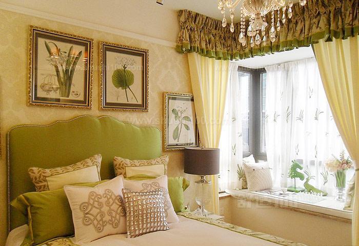不少人都会选择在卧室设计一个飘窗.有的飘窗是有转角的.