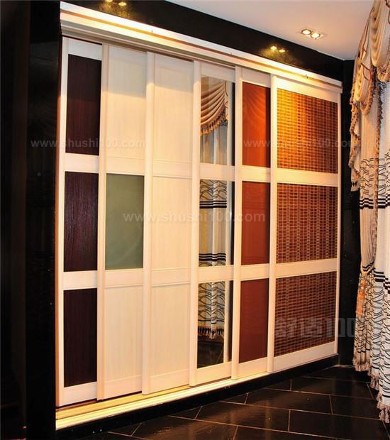 禾香板是一种新型生态、环保的人造板材,以来自大自然的稻麦等农作物秸秆为主要原料,以完全不含甲醛的聚氨酯生态胶为粘合剂采用国家级高级专利技术研制而成。瑞丽宜家率先采用零甲醛的禾香板。由禾香板制作而成的衣柜具有环保、坚固、防潮、阻燃等特性,真正为消费者打造一个环保、健康的家,让消费者感受到大自然带来的清新,感受会呼吸的衣柜。主要缺点就是硬度高, 技术差的开槽工开槽时可能会导致蹦边,所以在加工的时候可能会带来一些不便。这属于工艺问题了,对于消费者禾香板是一个不错的选择。 以上就是小编为大家介绍的整体衣柜移门的
