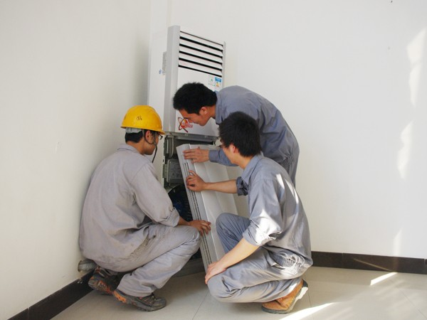 格力柜机空调滤网拆卸
