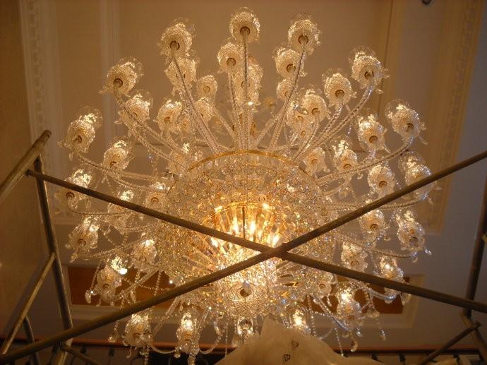 水晶壁灯—水晶壁灯材质的介绍