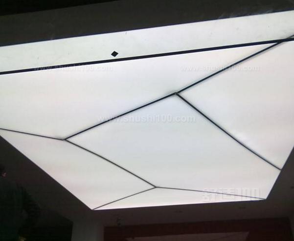 软膜吊顶已经成为越来越受欢迎的一种吊顶材料,软膜吊顶在外观上的