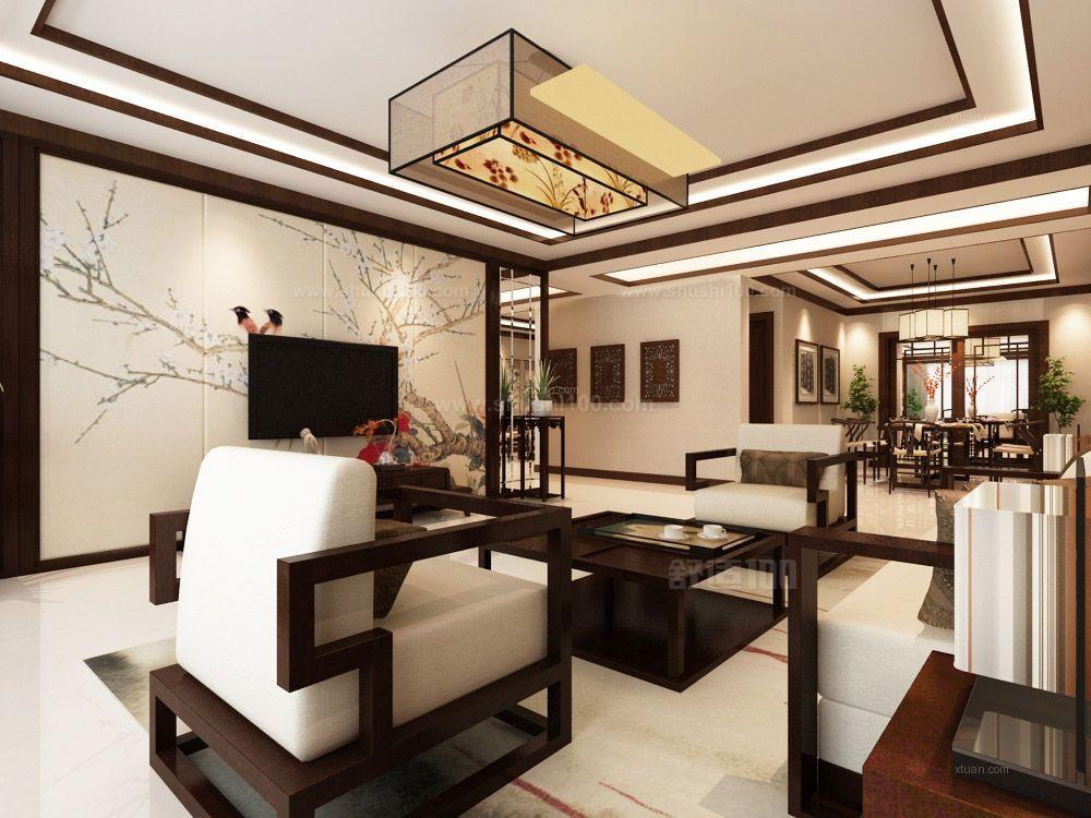 中式古典风格主要特征,是以木材为主要建材,充分发挥木材的物理性能,创造出独特的木结构或穿斗式结构,讲究构架制的原则,建筑构件规格化,重视横向布局,利用庭院组织空间,用装修构件分合空间,注重环境与建筑的协调,善于用环境创造气氛。运用色彩装饰手段,如彩画、雕刻、书法和工艺美术、家具陈设等艺术手段来营造意境。 以上就是小编为大家介绍的中式风格装饰装修的一些情况,大家可以作为参考进行了解,在以后如果要进行装饰装修工作的话,上面为大家介绍的中式风格的特点可以让我们大家有更好的效果。