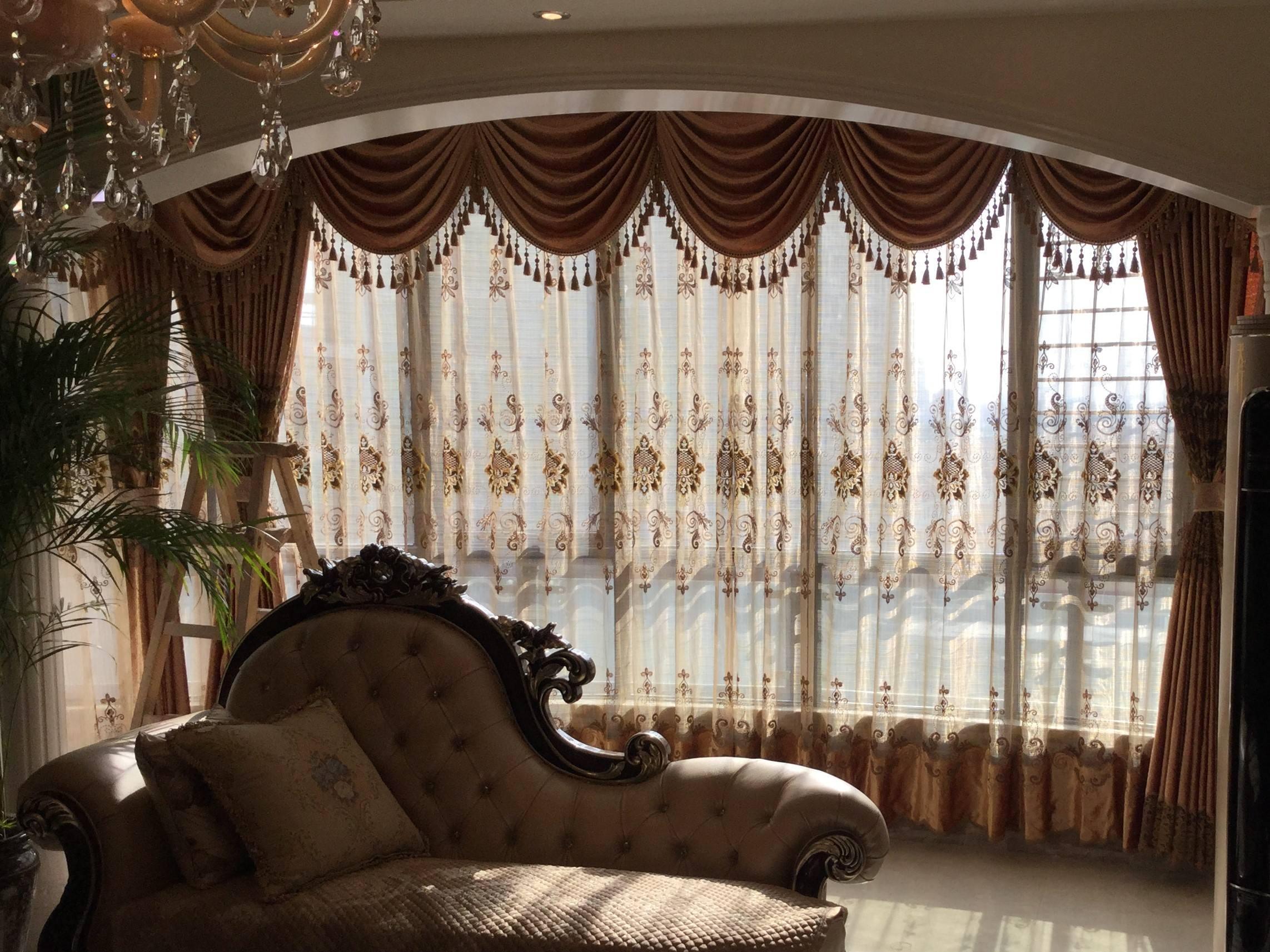 怎样清洗窗帘—花边窗帘 带有花边的窗帘一般款式较为复杂,不适合