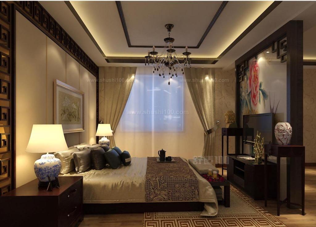 中式装修要利用中式中明艳亮丽的色彩来提高房间亮度,这样可以使得卧室空间在感官上变大,也更舒适;卧室大小无法改变,要懂得利用镜面来扩充视野,有阳台的,可以弄透明的拉门或干脆将卧室的区域延伸到阳台;卧室内适当用镜面制造视觉错觉,可以让人感觉空间层度多,深度够自然也就宽阔起来,中式风格的东西怎么放都大气了;注意家具软装,小卧室的中式装修,有时候实在无法用空间去补充的时候,小而精致,又非常有中国风的小东西就能起到画龙点睛的作用了;处理好大家具和软装的摆设,由于小卧室的空间有限,在家具的选择上选择简单而古典的风格