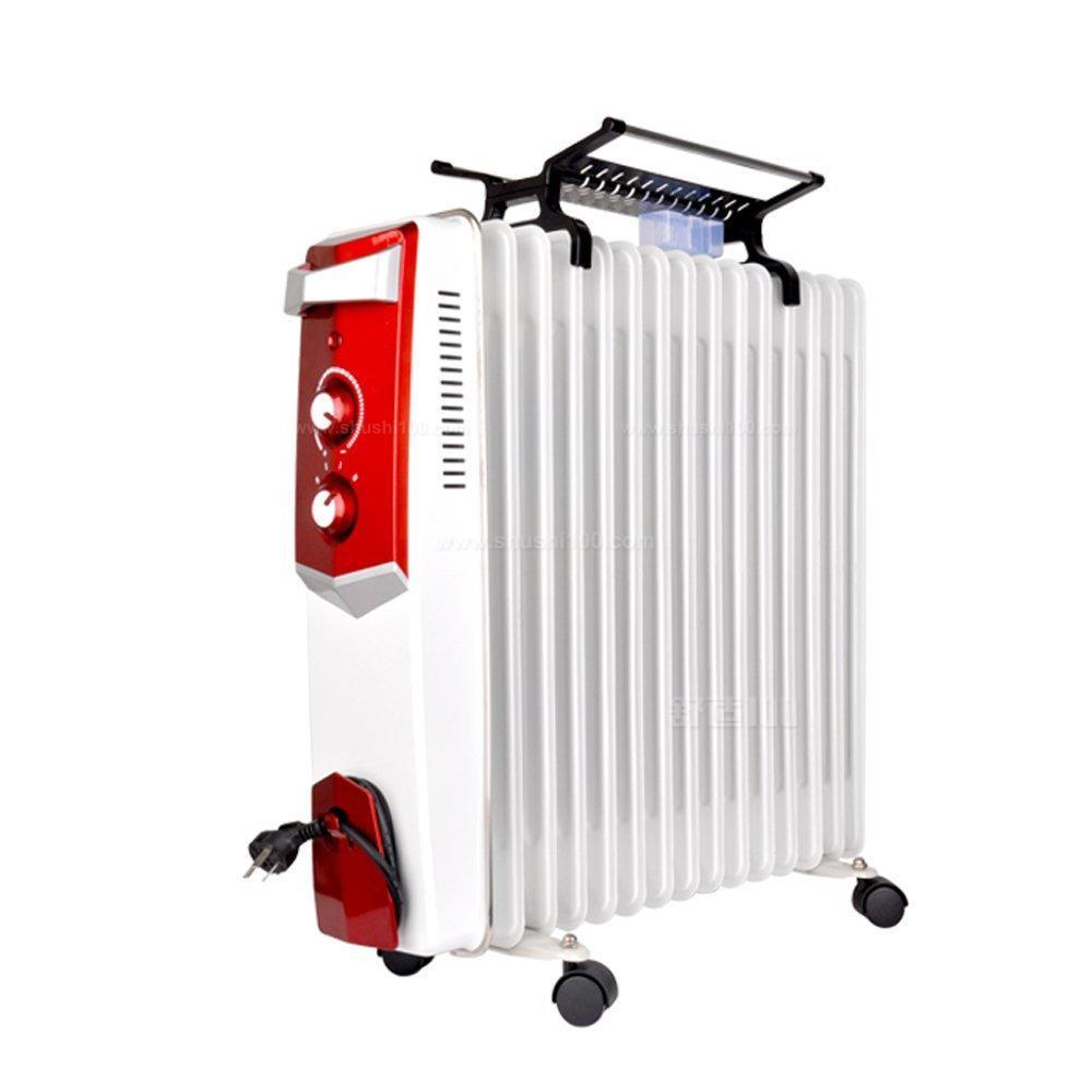 油汀的预热时间较长,并且功率过大,电表容量小或电压低的家庭不能使用。另外,电热油汀有类似暖气的缺点,就是容易使房间的空气干燥。油汀取暖器虽然说它的加热速度是比较迅速的,但是它的预热时间却很长,同时在使用时它的运行功率非常大,对于电表容量较小的家庭来说,使用起来较为困难。油汀取暖器主要是对房间空气进行加热,它具有暖气的特点,因此长时间使用之后,房间中是非常干燥的。 电热油汀取暖器作为最常用的取暖设备,一直以来都是消费者们选购取暖设备的首选产品之一,非常适合日常家庭中使用。而小编通过上文为大家介绍的这些电热油