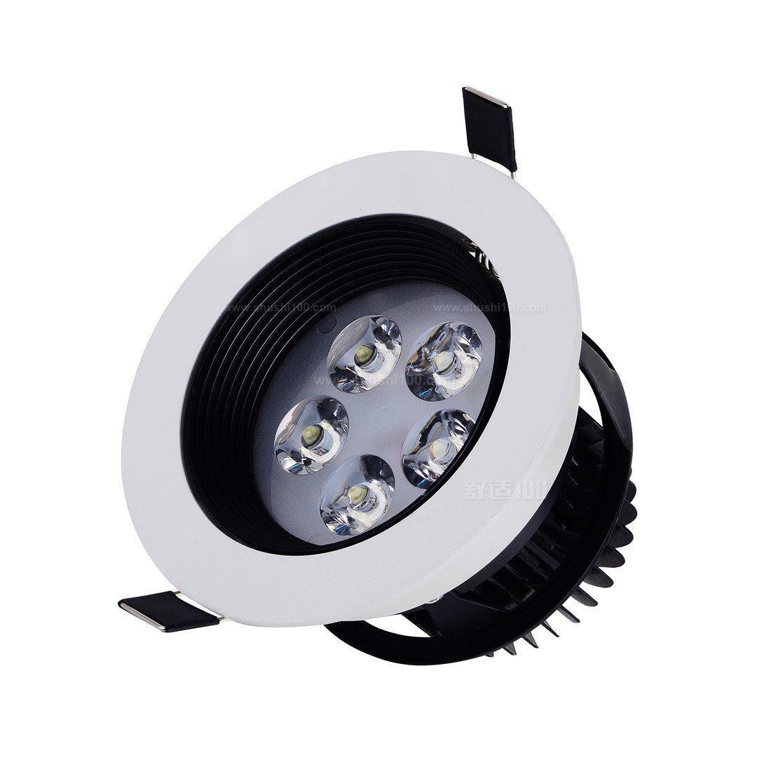 射灯安装方法