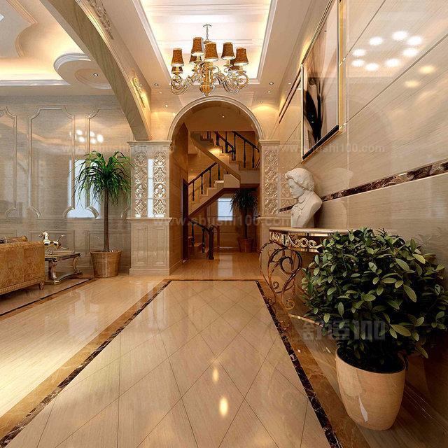 1,客厅墙面贴砖可根据业主的需求来设计贴砖方案,瓷砖比起其他墙面装饰更有可塑性,所以比较容易满足消费者的需求。同时瓷砖更适合做电视墙的制作,其装饰效果非常当美观。  2,客厅墙面贴砖可具有隔热、隔音的作用,同时可以保护墙面,所以其在有装饰墙面的同时还可以有很做附加优势。