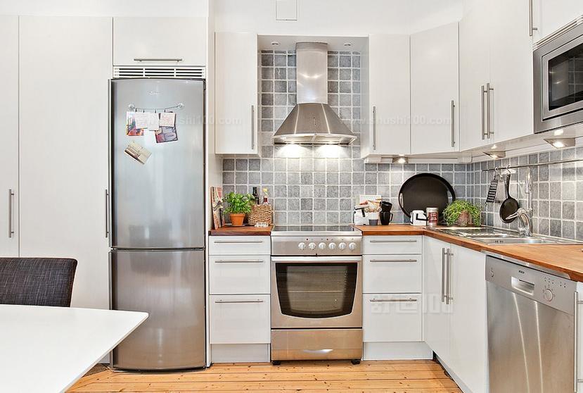 厨房墙砖什么颜色好