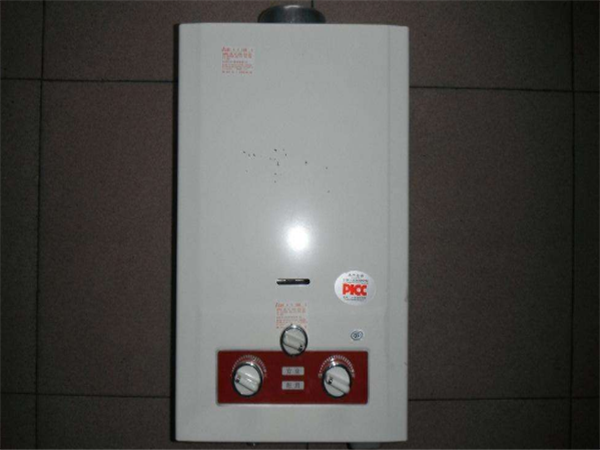 燃气热水器滴水是什么原因—燃气热水器漏水危险吗
