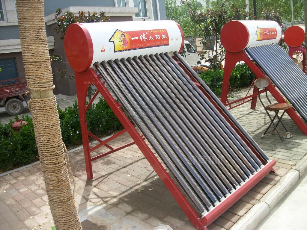 太阳能热水器的缺点_太阳热水器多少才有热水_太阳能出热水慢又小