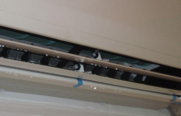 空调洞漏水怎么办,空调滴水是怎么回事