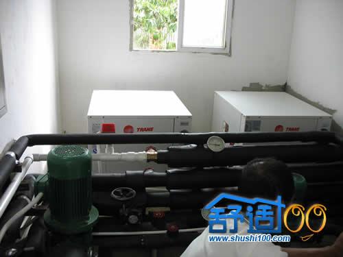 水源热泵主机安装完成
