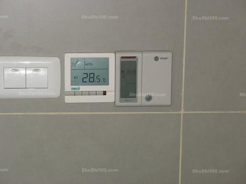 特灵中央空调控制面板安装效果图