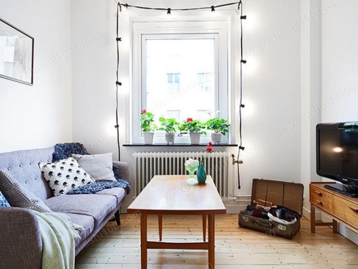 客厅暖气片安装效果图 窗下安装,可加热室外透过来的冷气