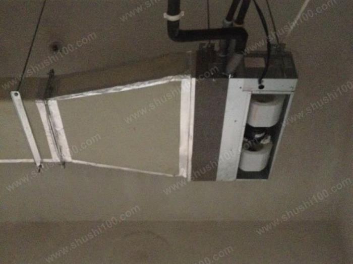 空调室内机连接着风道