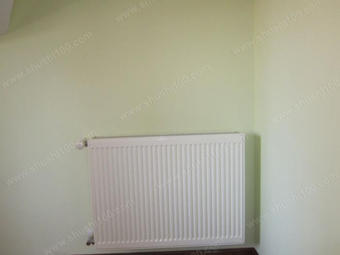 卧室暖气片安装效果图 (5/8)图片