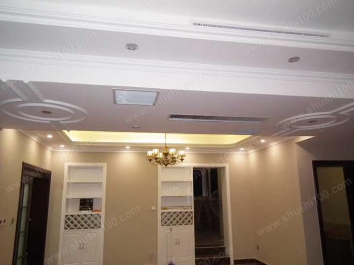 客厅中央空调和新风安装效果图