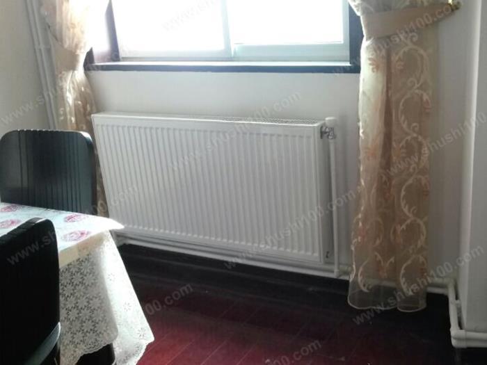 卧室暖气片安装效果图 (1/5)图片