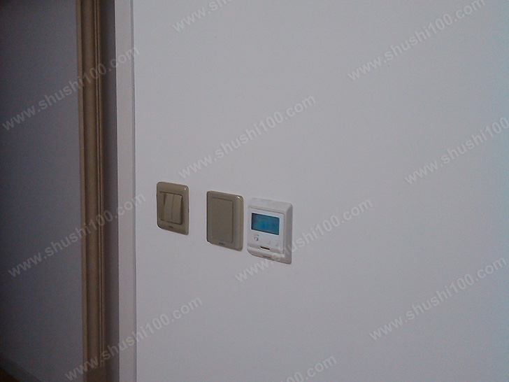 地暖安装 地暖温控器安装到位