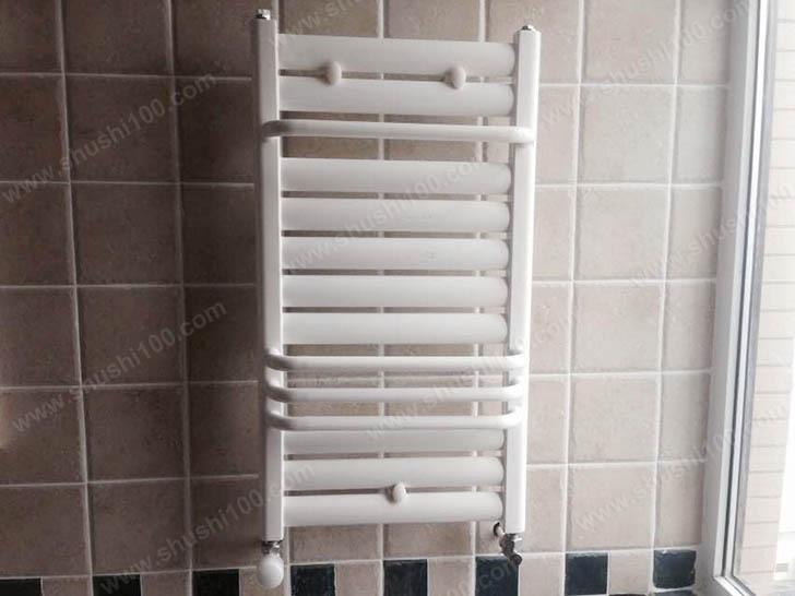 暖气片安装效果图 卫生间也温暖