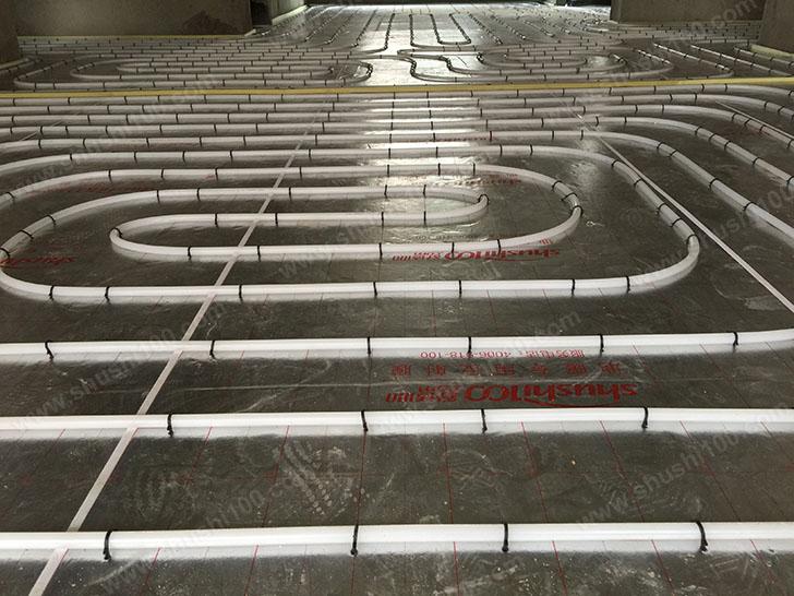 家庭采暖安装 地暖盘管铺设间距均匀