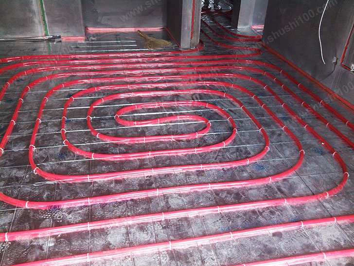 地暖安装 地暖管铺设完成,间距均匀