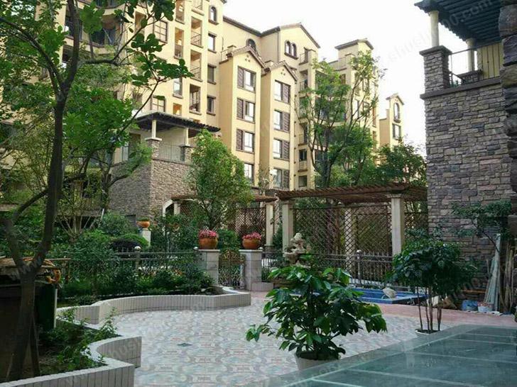 重庆奥园国际城壁挂炉、中央热水工程案例—采暖和生活热水一步到位