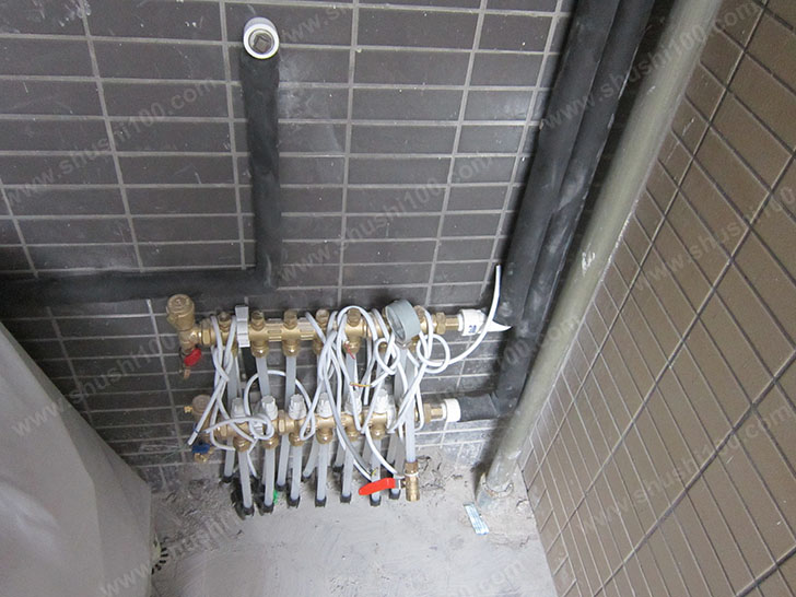 地暖施工图 安装分集水器