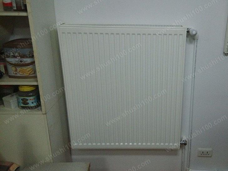 暖气片安装完成,与室内装修风格相得益彰