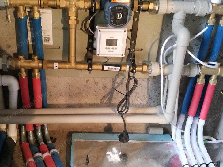 地暖施工图 分集水器连接地暖管