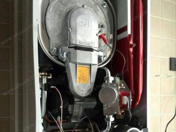 三室两厅暖气片安装工程—萍乡城市风情明装暖气片工程案例