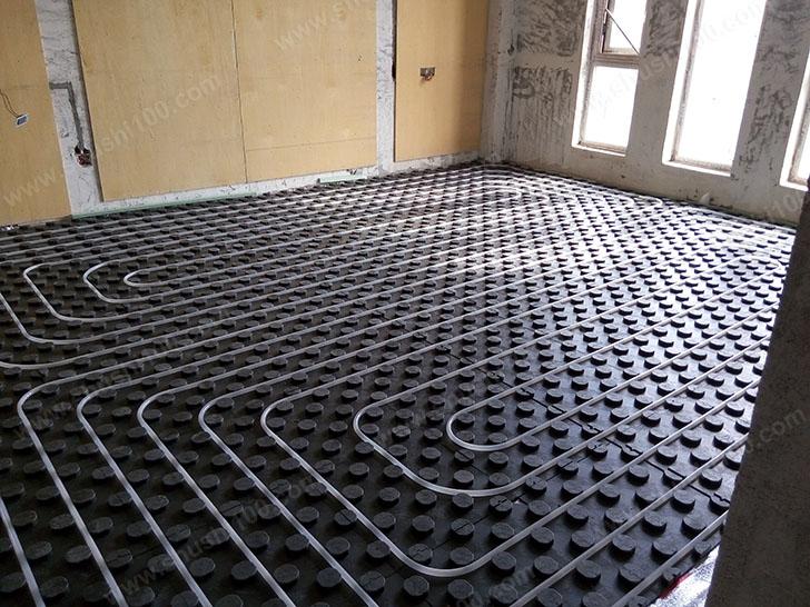 地暖安装 地暖盘管铺设间距均匀