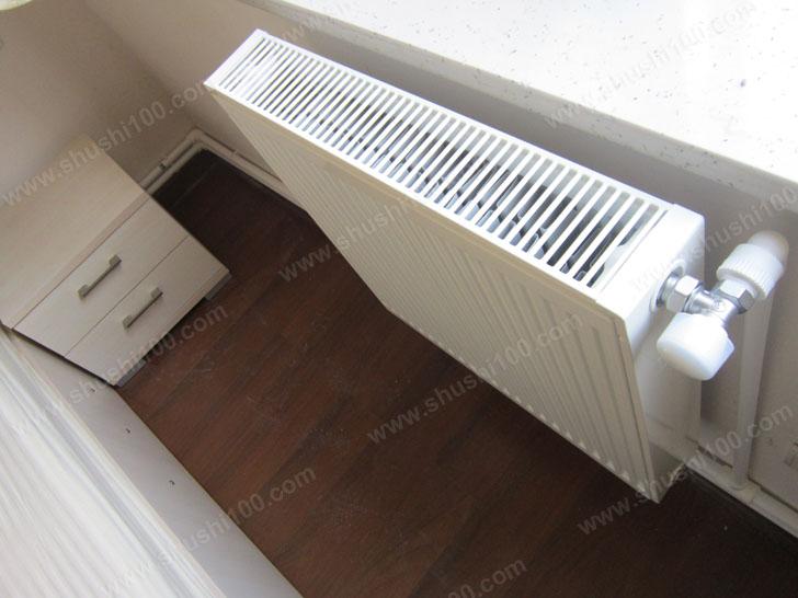明装暖气片工程实例—武汉保利心语德美拉德暖气片安装效果图