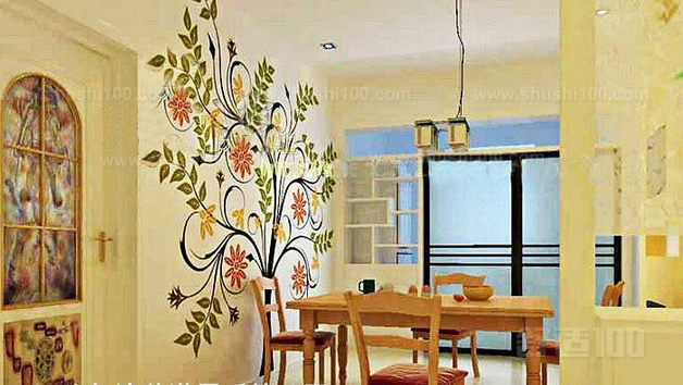 餐厅手绘墙—墙面处理 餐厅手绘墙墙面的基层处理比较重要,一般是在
