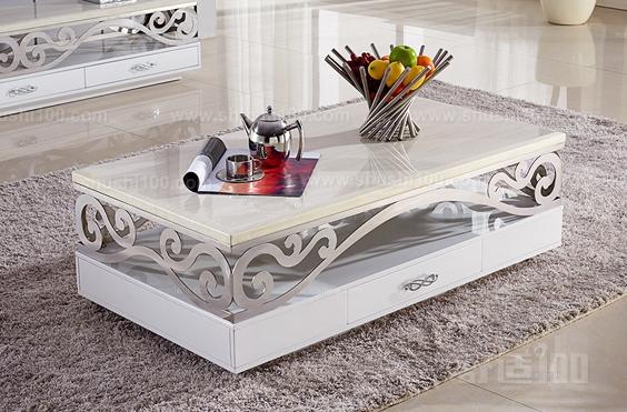 该张金属茶几设计效果图中的家具桌面采用白冰石打造,拥有硬度强和