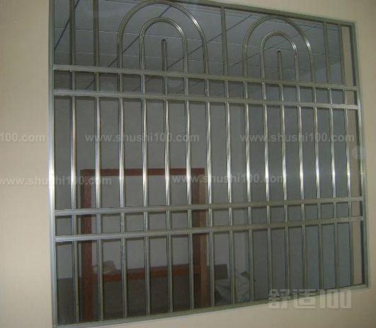 阳台分隔围栏