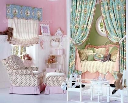 粉嫩的欧式公主房是小公主的不二选择