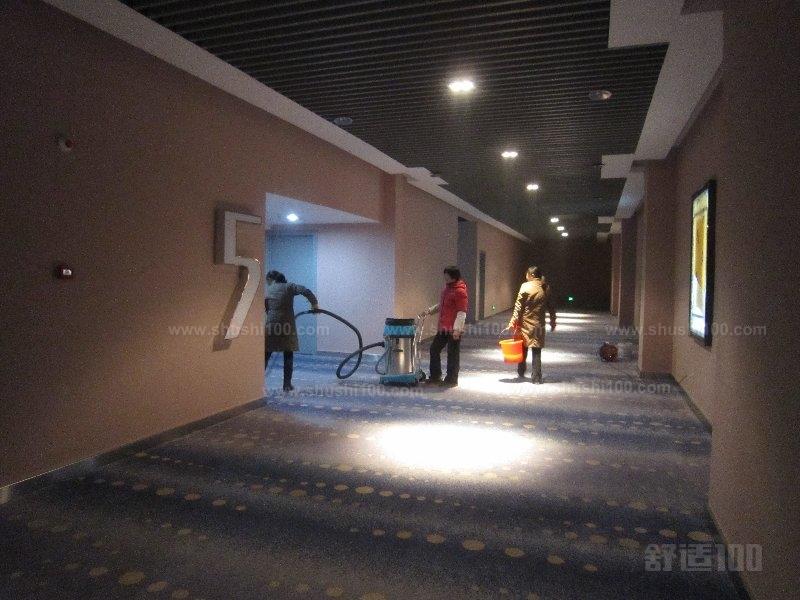 羊毛地毯清洗剂_办公室清洗地毯—办公室清洗2种地毯方法介绍 - 舒适100网
