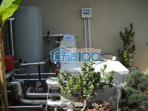 地源热泵主机太阳能水箱中央净水安装完成图