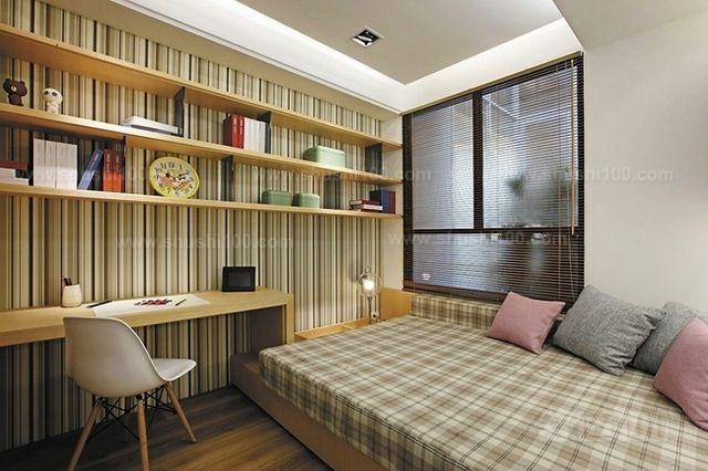 装修榻榻米卧室—标水平线做地台基础