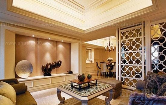 对于大客厅隔断的设计,必须将功能放在首位,在满足实用功能的基础上,再加入主人的个性爱好和设计师的审美趣味,在造型上下功夫,就可以做出一个美观实用的大客厅隔断。 隔断,隔而不断。这句俏皮话很形象地说明了大客厅隔断的特点。大客厅隔断在大客厅中既起到分割空间的作用,但同时它又不像整面墙体那样将大客厅完全隔开,而是在隔中有连接,断中有连续,这种虚实结合的特点使隔断成为大客厅装修中一个有很大创作余地的项目,成为居家主人和建筑设计师展现个性与才华的一个焦点。所以大客厅隔断被广泛使用于商务办公楼分隔区或室内中庭幕墙,公