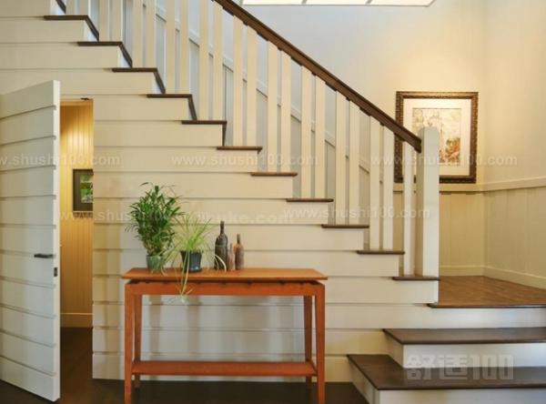 美式风格楼梯—美式风格楼梯设计安装知识介绍图片