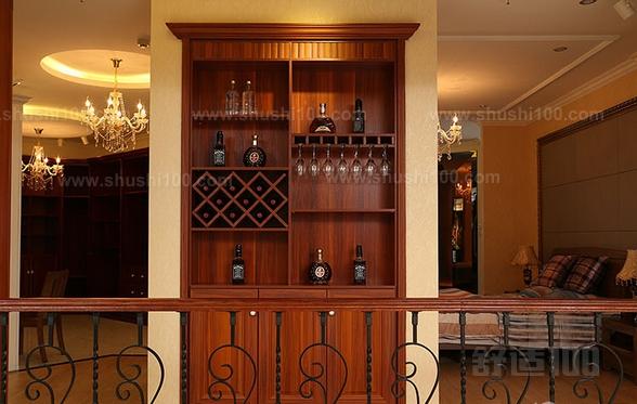 欧式酒柜的设计与墙壁完美融合