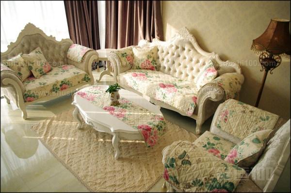 欧式皮沙发垫如何搭配 欧式皮沙发垫搭配技巧