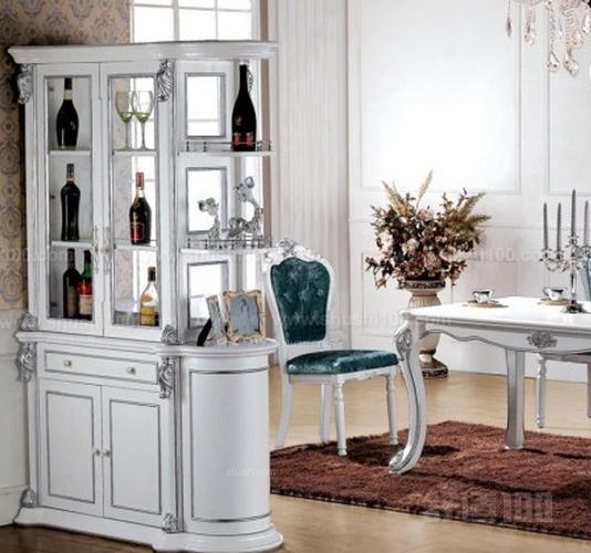 客廳裝飾隔斷—中式風格多格子隔斷柜
