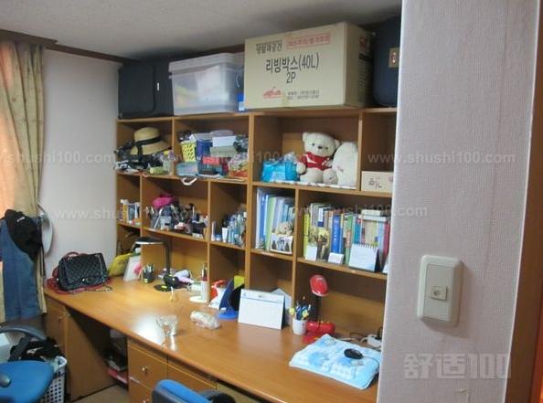 宿舍书桌—惠万家 惠万家宿舍书桌采用松木材质