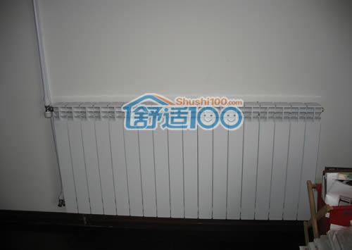 客厅暖气片安装示意图