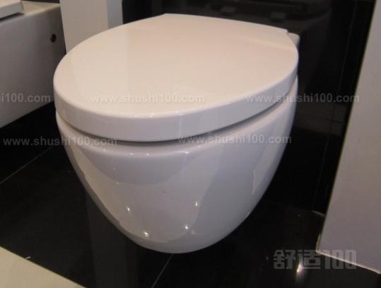 从外观上来划分的话,墙排式马桶可分为挂壁式马桶和侧排式马桶,但是一般的消费者都会选择挂壁式马桶,因为侧排式马桶的实用性没有地排式座便器的好,墙排式马桶设计可以座便器水箱、排水管道等不好看的东西隐藏在墙体里面,让整个卫生间看上去更加精致简洁,空间更大。 因为墙排式马桶的水箱隐藏在墙体里面,有了墙体的阻隔,冲水时噪音明显减弱了不少。墙排式马桶移位非常的方便,不像普通的地排马桶以为那样很复杂,要使用移位器,甚至会营养卫生间的整个空间布局。 墙排式马桶采用的是挂壁的安装方法,节省了空间,占地面积也非常的小,让整个